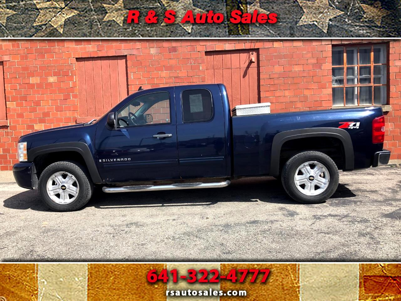 2009 Chevrolet Silverado 1500 LT Ext. Cab 4-Door Short Bed 4WD