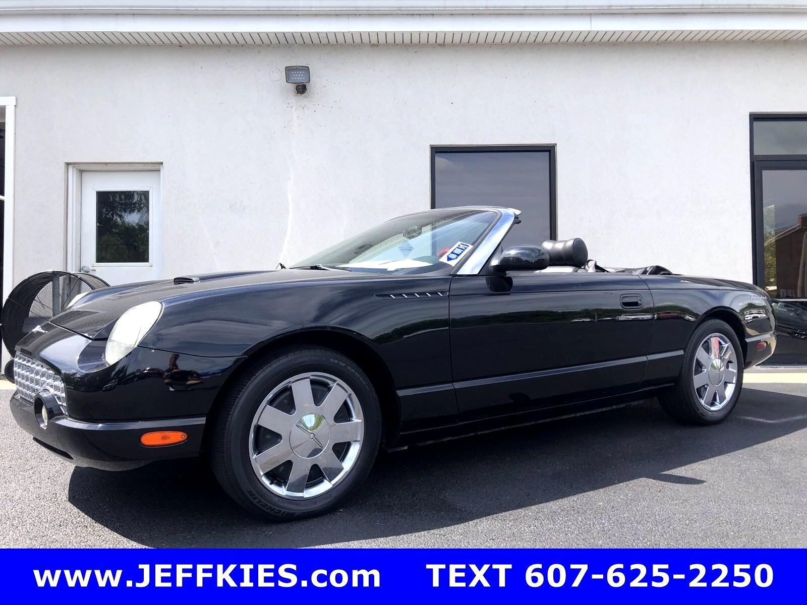 Ford Thunderbird Deluxe 2002