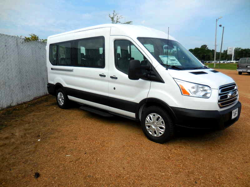 2019 Ford Transit 350 Wagon Med. Roof XL w/Sliding Pass. 148-in. WB