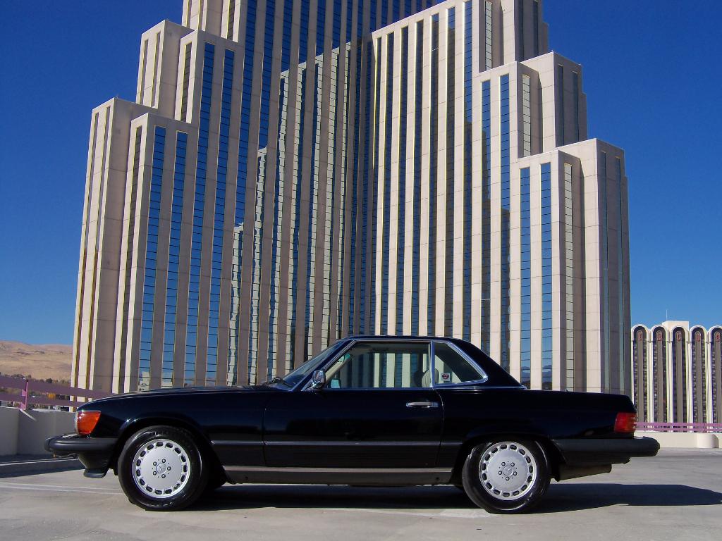 Mercedes-Benz 560 SL coupe 1988