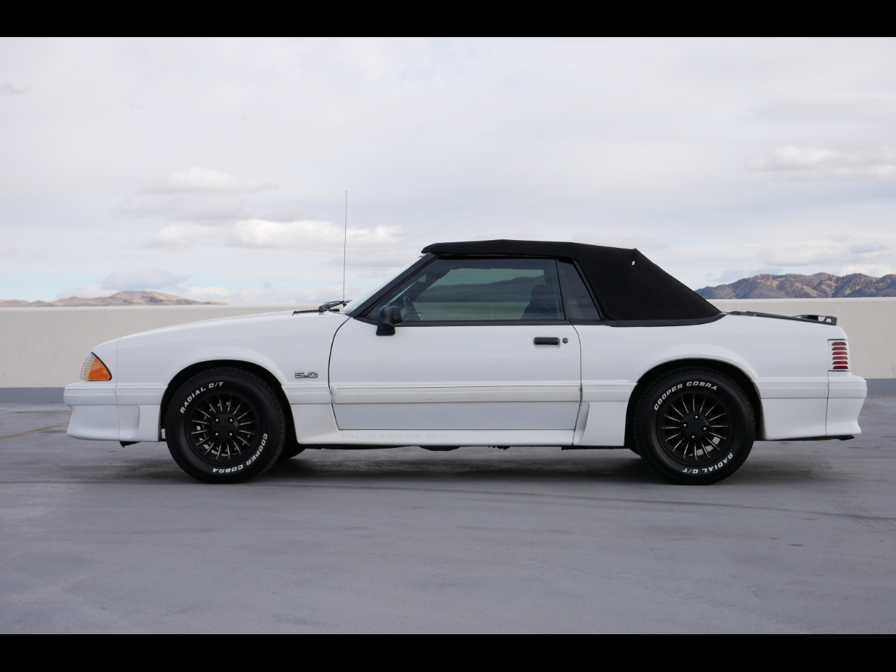 1990 Ford Mustang 2dr Convertible GT