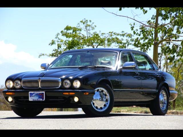 1999 Jaguar XJ Sedan Vanden Plas
