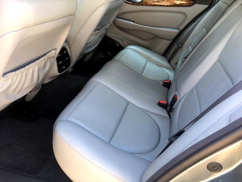 2004 Jaguar XJ Sedan XJ8