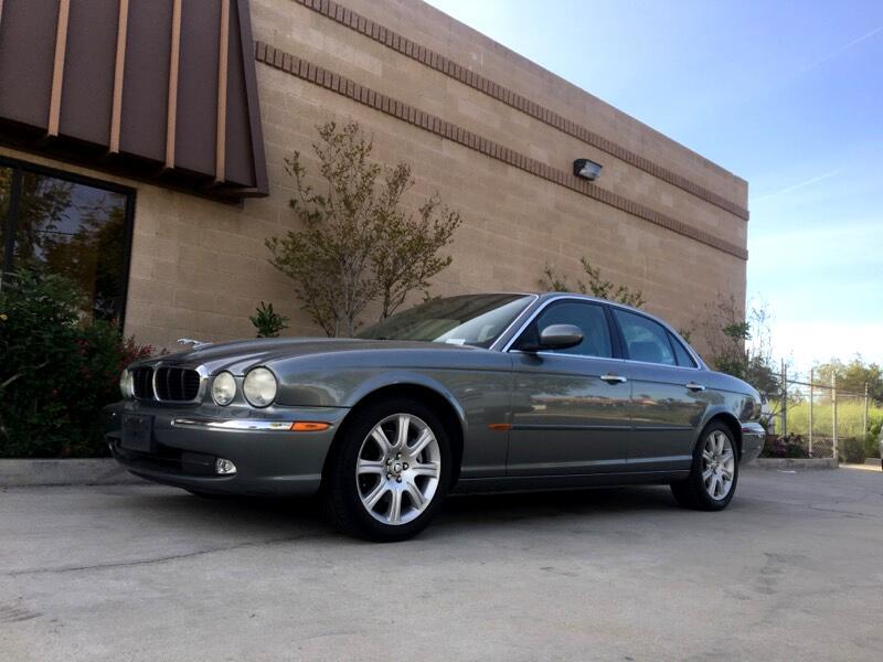 Jaguar XJ Sedan XJ8 2004