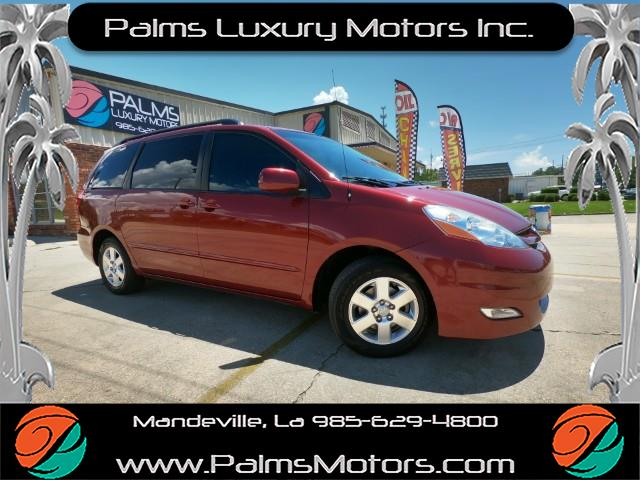 2010 Toyota Sienna XLE W/LEATHER & BACK UP CAMERA