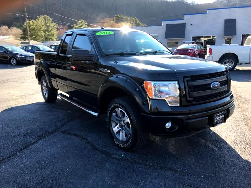 2013 Ford 150 XLT SuperCab 8-ft. Bed 4WD