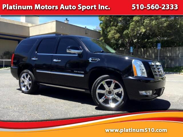 2011 Cadillac Escalade L@@K ~ What A SUV ~ Fully Loaded ~ We Finance