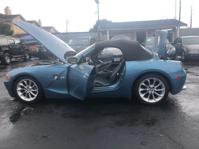 2003 BMW Z4 2dr Roadster 2.5i
