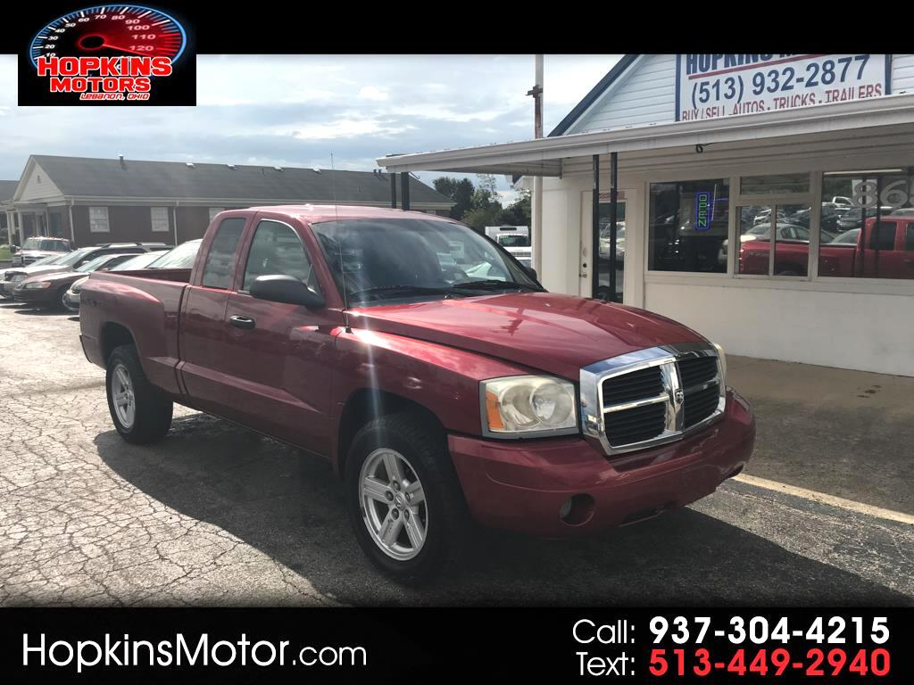 "2007 Dodge Dakota 2WD Club Cab 131"" ST"