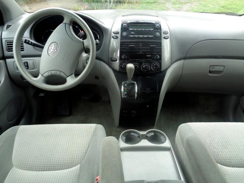 2008 Toyota Sienna CE FWD 8-Passenger