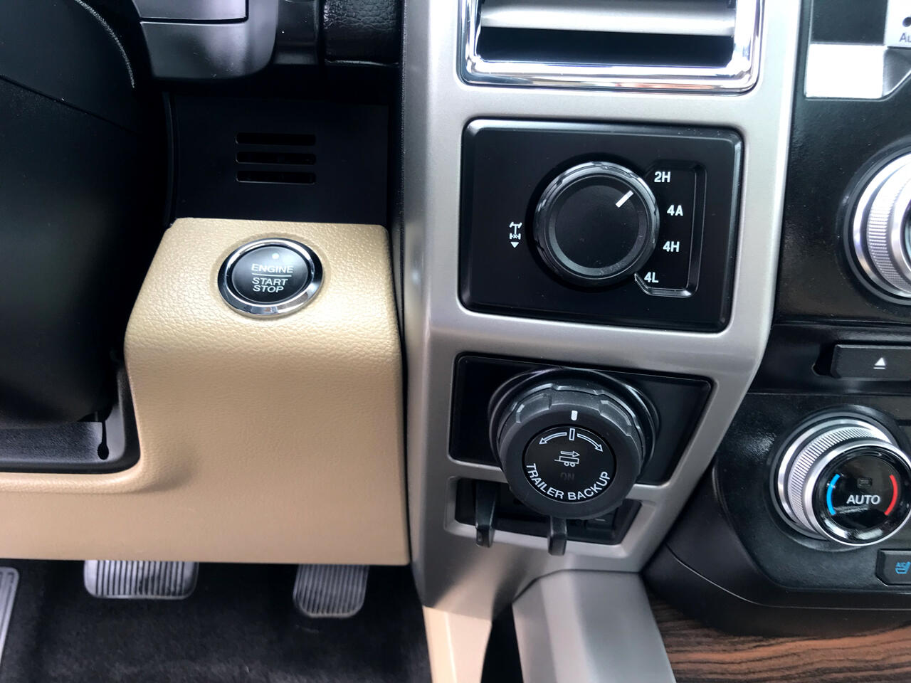 "Ford F-150 4WD SuperCrew 145"" Lariat 2016"