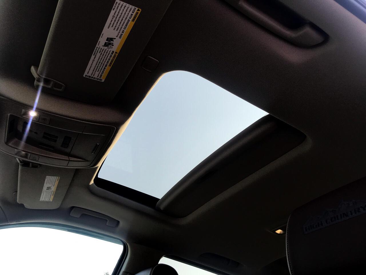 """Chevrolet Silverado 1500 4WD Crew Cab 143.5"""" High Country 2017"""