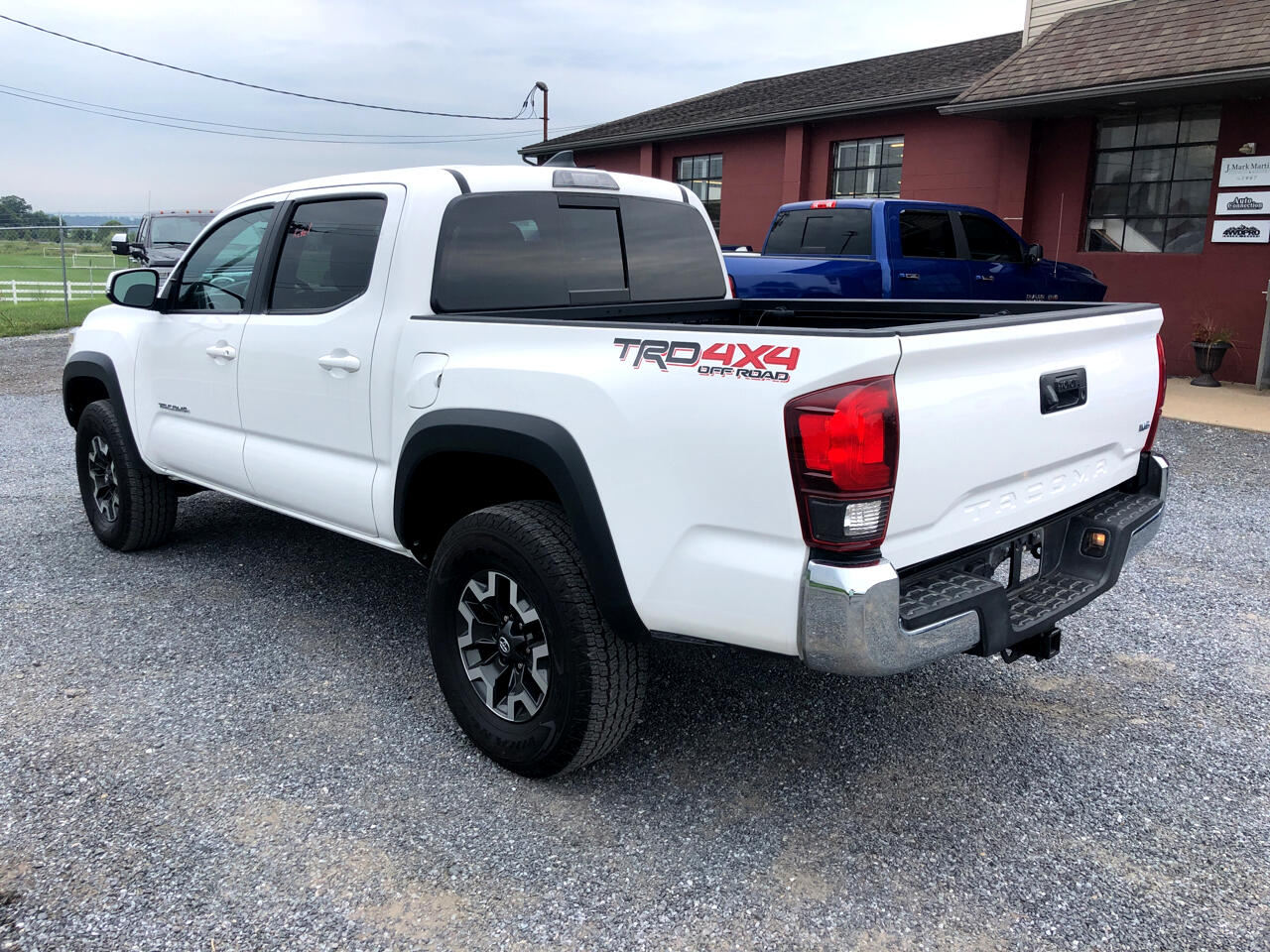 Toyota Tacoma 4WD TRD Off Road Double Cab 5' Bed V6 AT (Natl) 2019