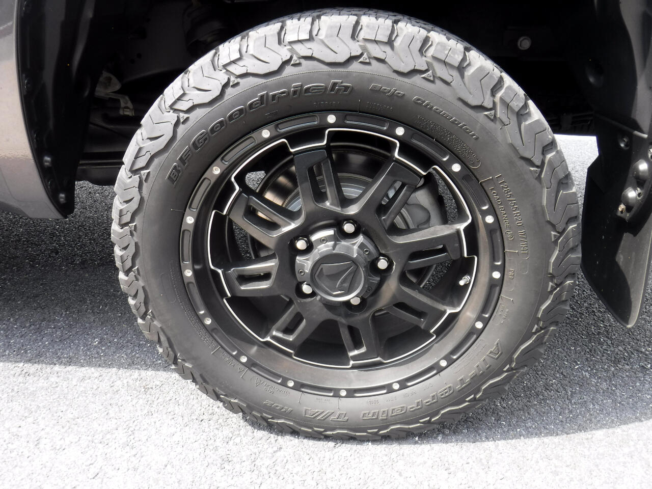 Toyota Tundra 4WD SR5 CrewMax 5.5' Bed 5.7L FFV (Natl) 2017