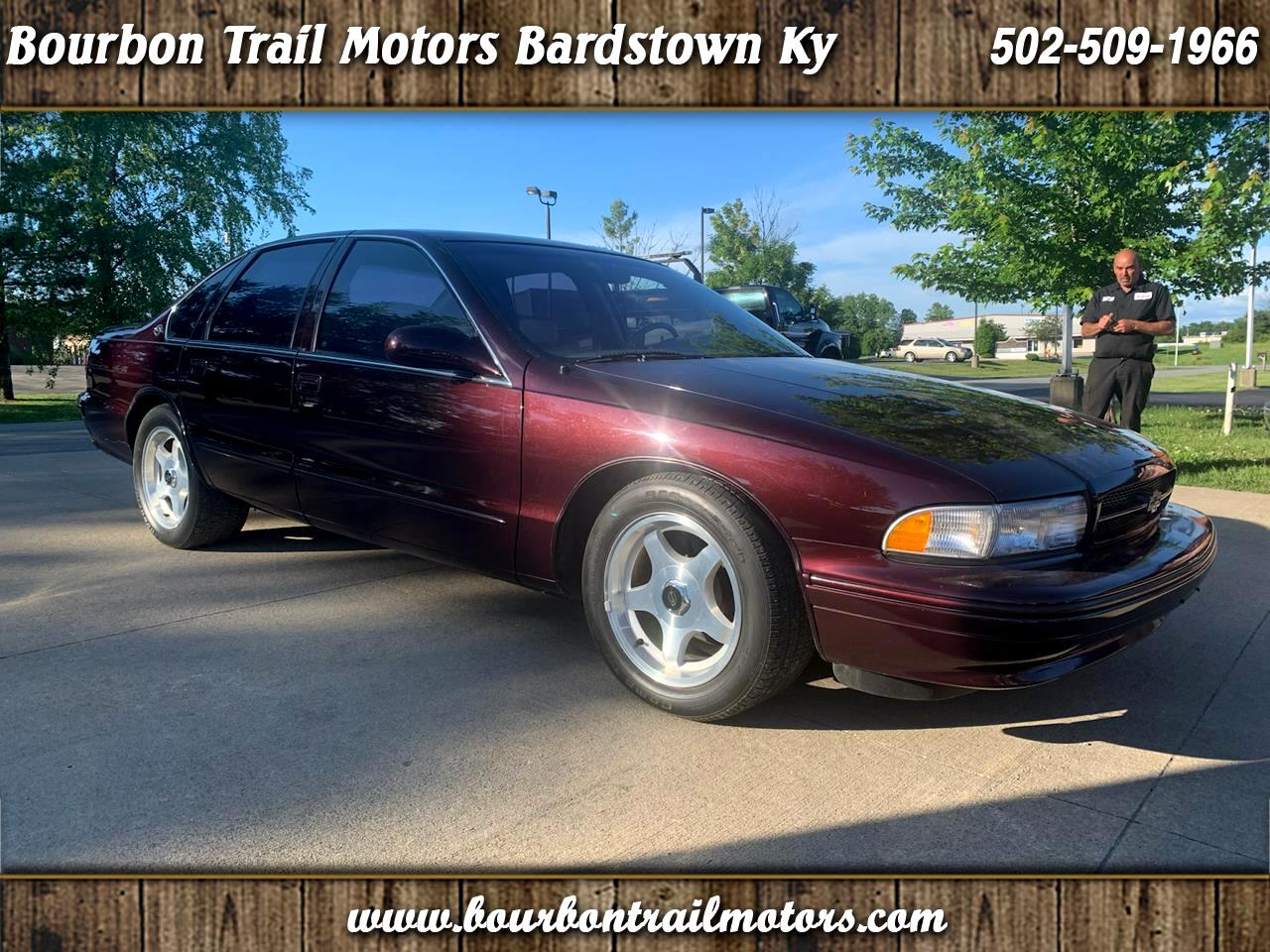 Chevrolet Caprice Classic/Impala SS/Caprice Police/Taxi Pkgs 4dr Sdn 1SA Special Value Pkg 1996
