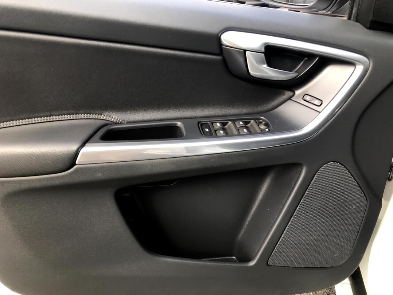 2015 Volvo XC60 2015.5 FWD 4dr T5 Drive-E