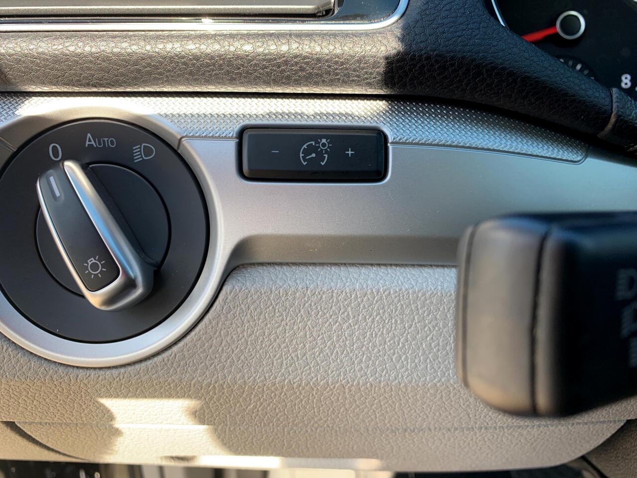 2017 Volkswagen Passat 1.8T S Auto