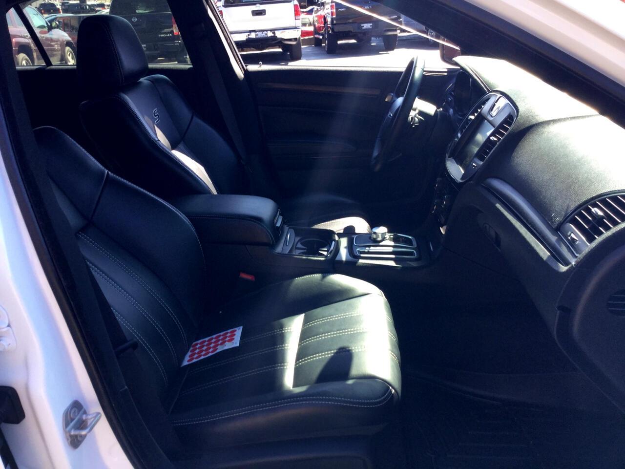 2015 Chrysler 300 4dr Sdn 300S RWD