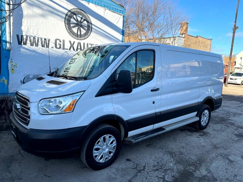 Ford Transit 250 Van Low Roof 60/40 Pass.130-in. WB 2015
