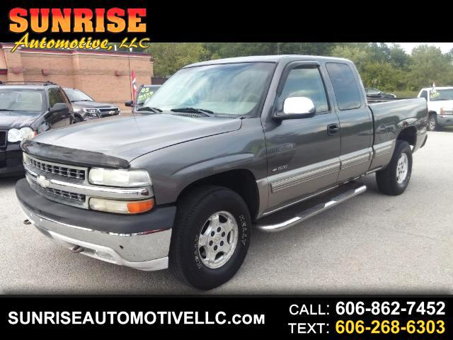 2000 Chevrolet Silverado 1500 LT Ext. Cab 4-Door Short Bed 4WD
