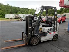 2004 Nissan Forklift