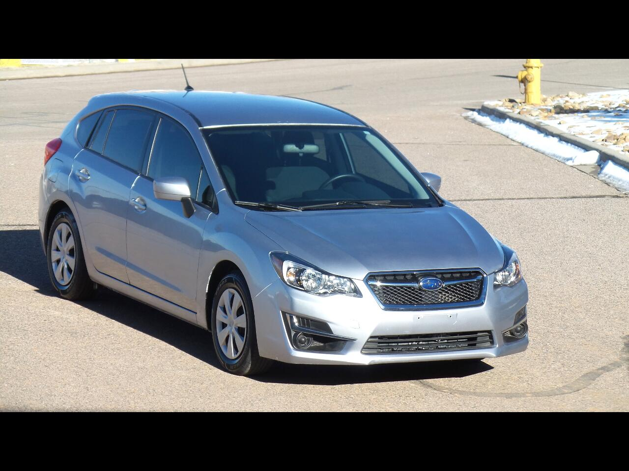 2016 Subaru Impreza 2.0i PZEV 5M 5-Door