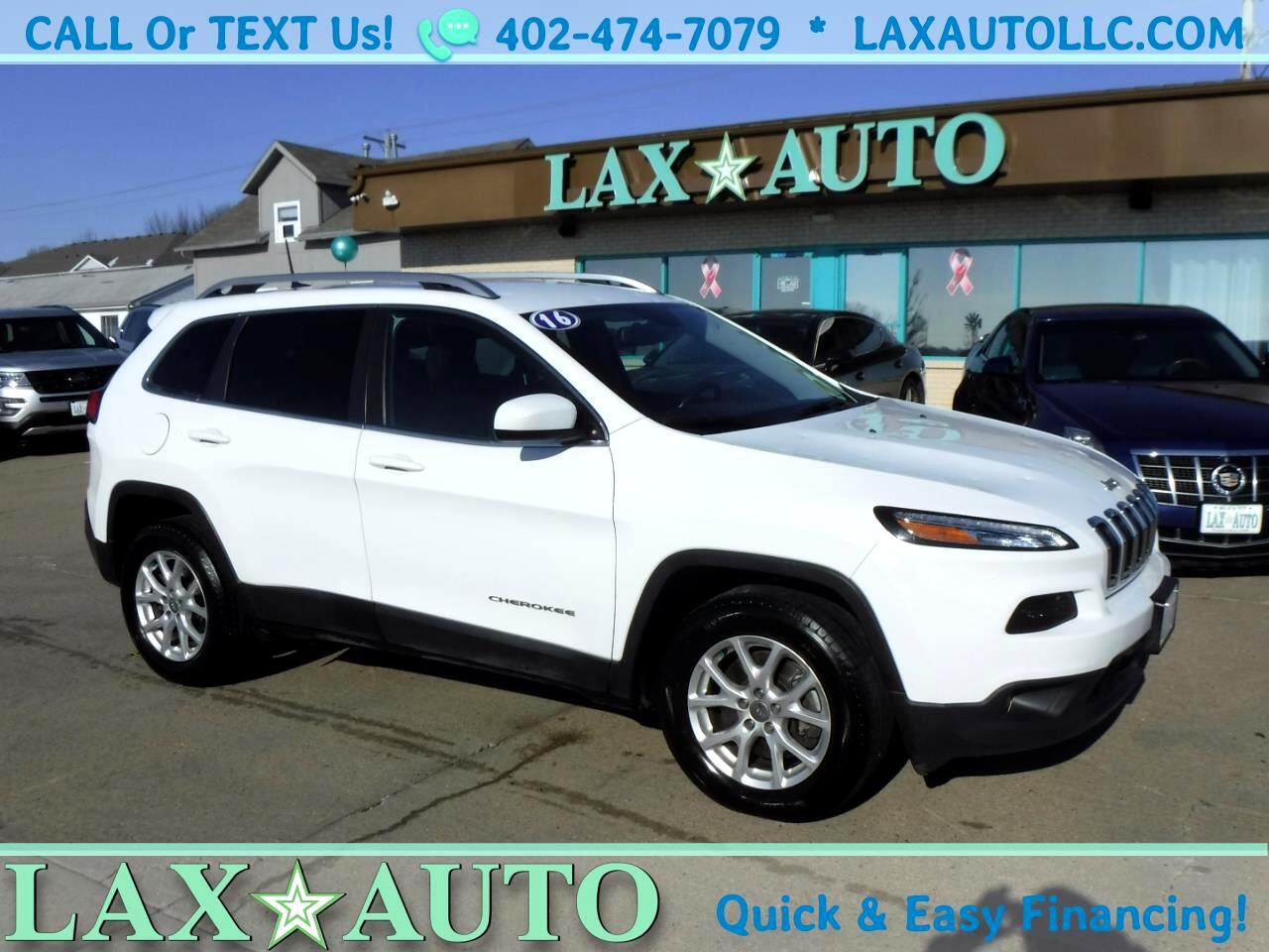 2016 Jeep Cherokee Latitude 4WD V6 * Only 25k Miles! * Back-up Cam! *