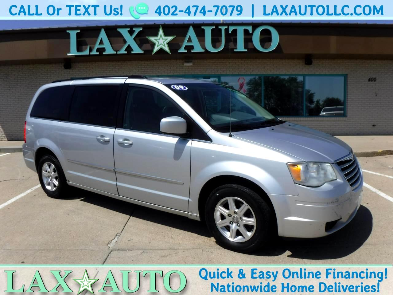 2009 Chrysler Town & Country Touring w/ 181k miles * Back-up cam!