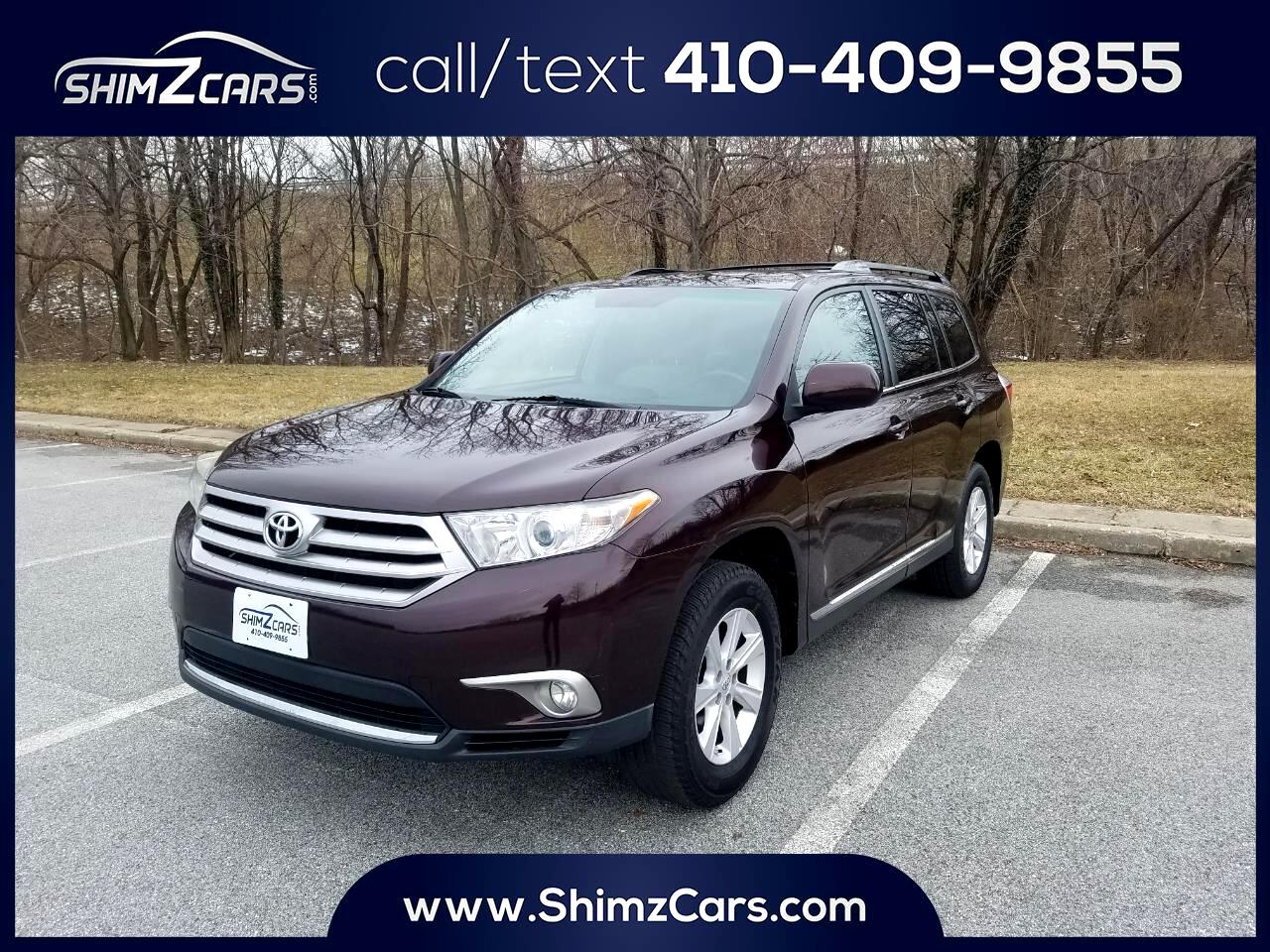 2011 Toyota Highlander FWD 4dr L4  Base (Natl)