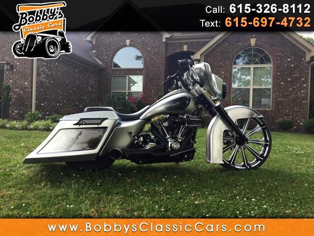 2011 Harley-Davidson FLHXI