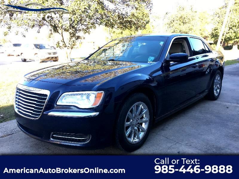 2014 Chrysler 300 V6 RWD LEATHER ONE OWNER CLEAN AUTO CHECK!!!