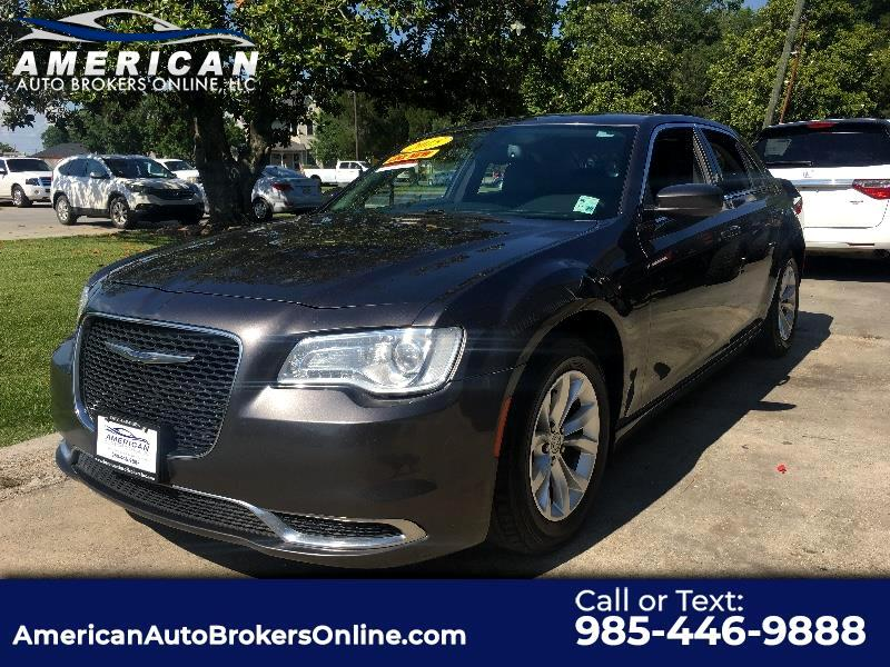 2015 Chrysler 300 LIMITED 4DR SEDAN V6 CLEAN AUTOCHECK!!!