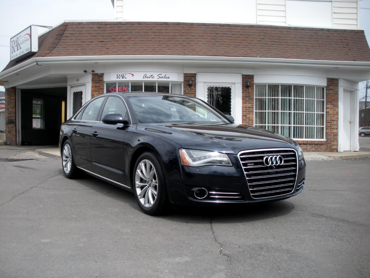 Audi A8 3.0 Sedan quattro Tiptronic 2013