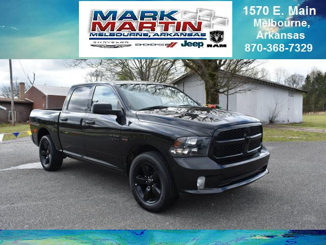 2015 RAM 1500 4x4 Express 4dr Crew Cab 5.5 ft. SB Pickup