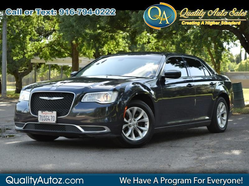 2015 Chrysler 300 300 Limited Sedan 4D