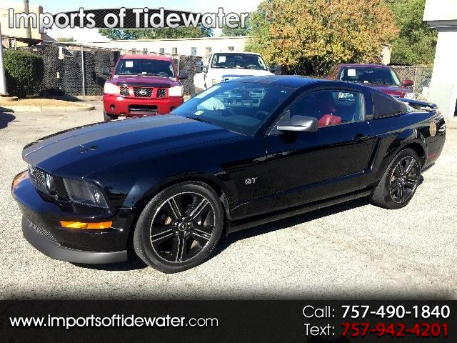 2005 Ford Mustang GT Deluxe Coupe