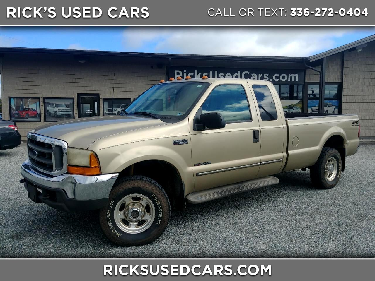 "2000 Ford Super Duty F-250 Supercab 142"" Lariat 4WD"