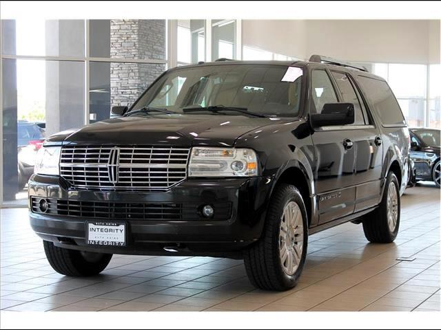 2011 Lincoln Navigator L 4WD