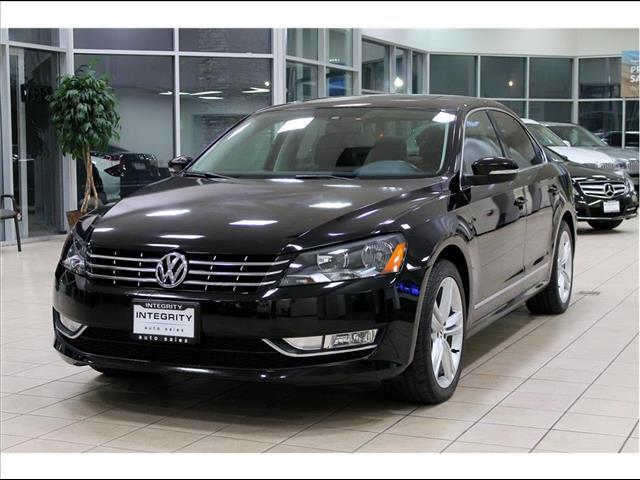 2014 Volkswagen Passat 1.8T SEL Premium AT PZEV