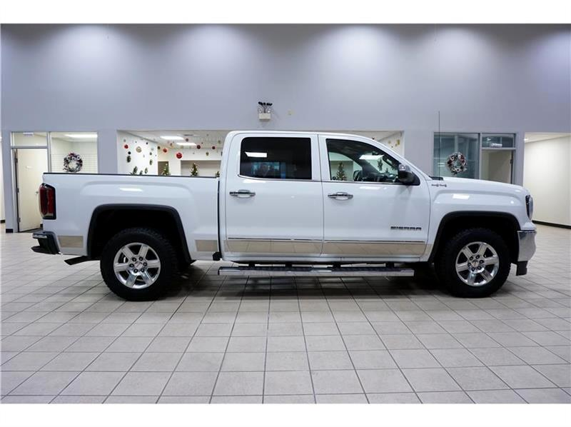 2016 GMC Sierra 1500 SLT Crew Cab Long Box 4WD