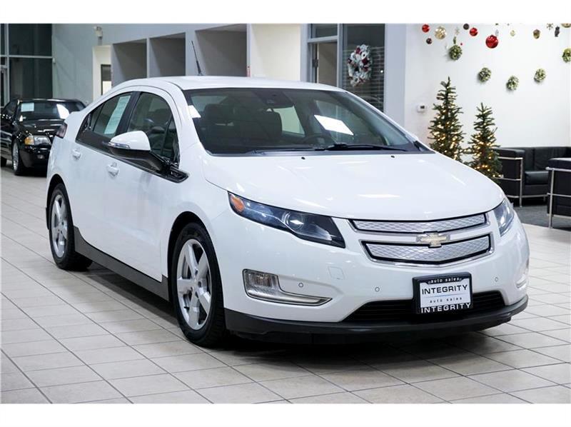 2013 Chevrolet Volt Premium w/ Navigation & LEP