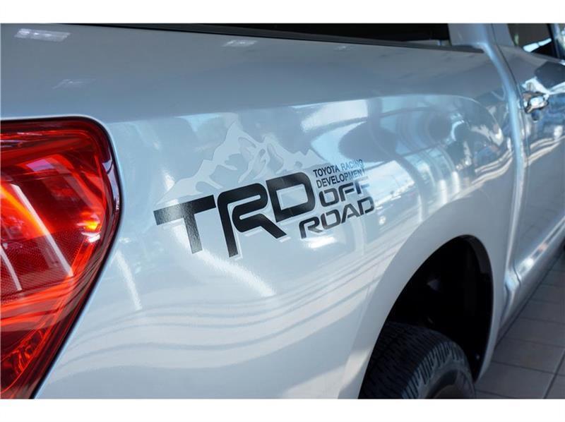 2011 Toyota Tundra Tundra-Grade CrewMax 5.7L 2WD