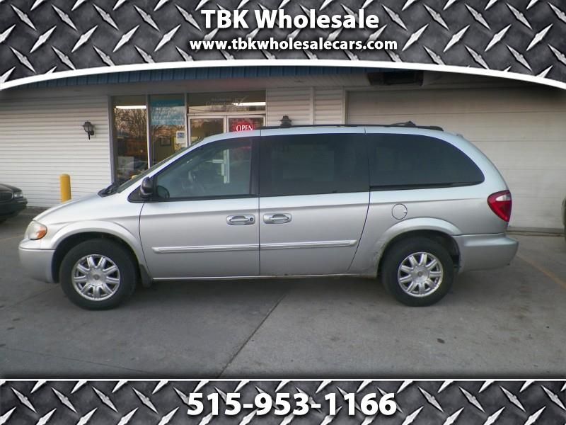 2005 Chrysler Town & Country Touring