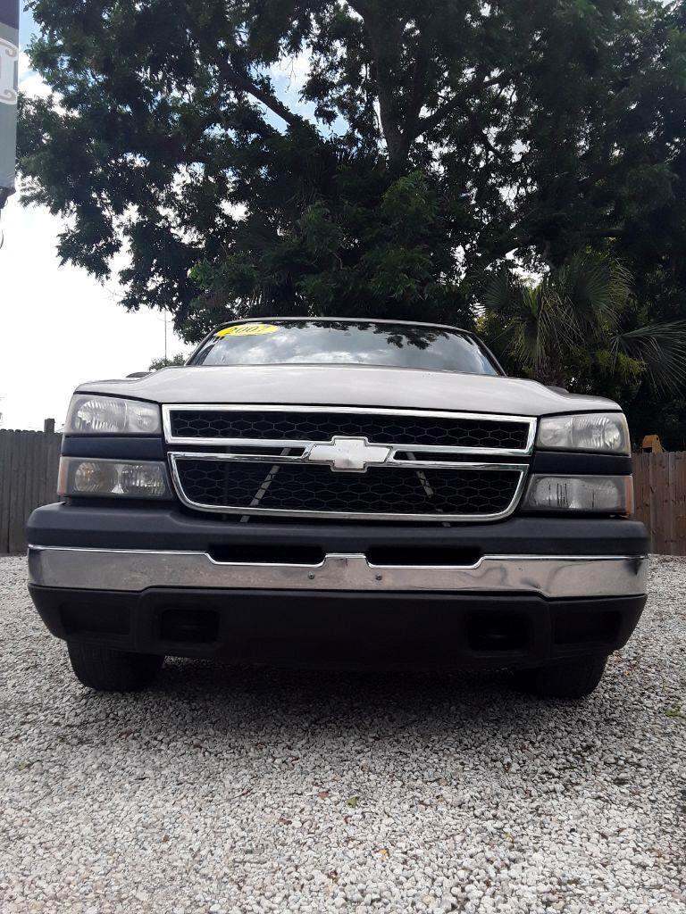 "2007 Chevrolet Silverado 1500 Classic 2WD Ext Cab 143.5"" Work Truck"