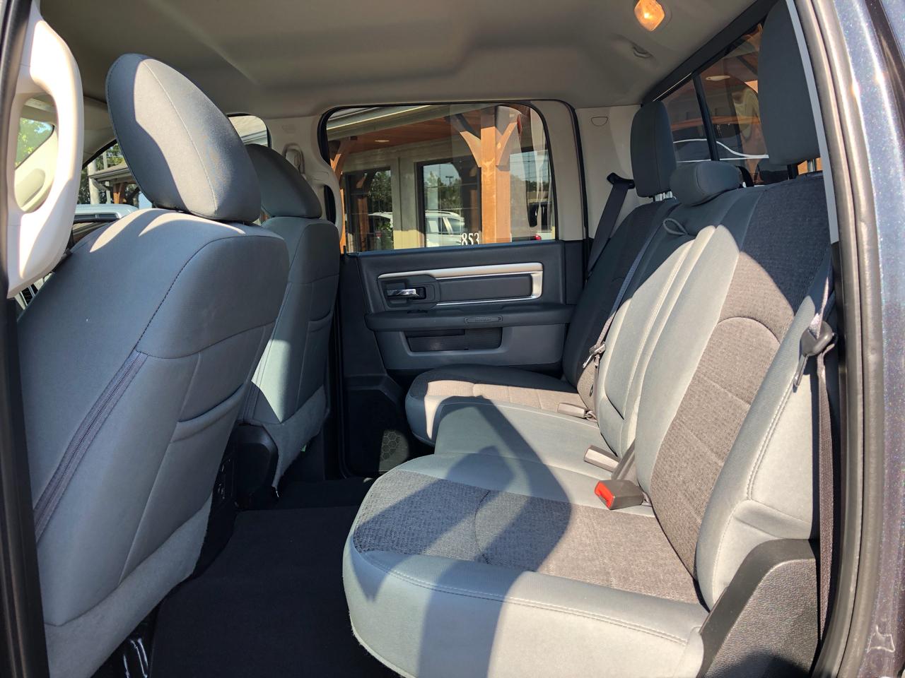 2017 RAM 1500 Lone Star 4x2 Crew Cab 5'7