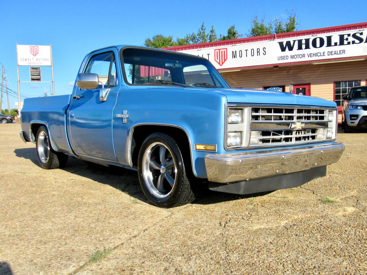 """1987 Chevrolet 1/2 Ton Pickups R10/15 Fleetside 117.5"""" WB"""
