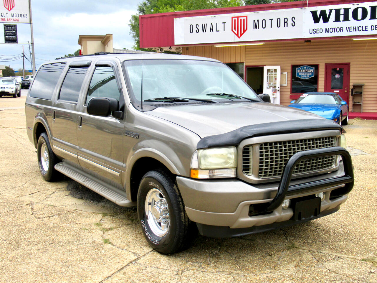 "Ford Excursion 137"" WB 6.8L Limited 2002"