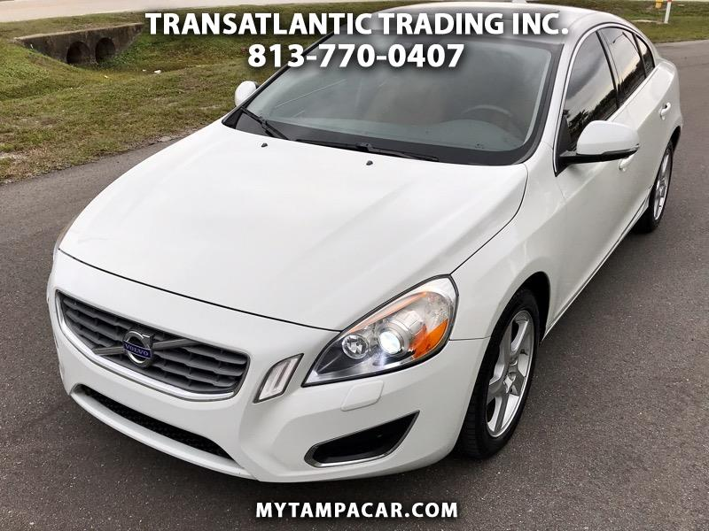 Volvo S60 2.5L Turbo AWD w/Sunroof 2013