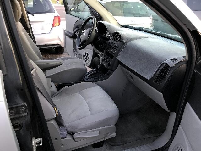 2004 Saturn VUE FWD