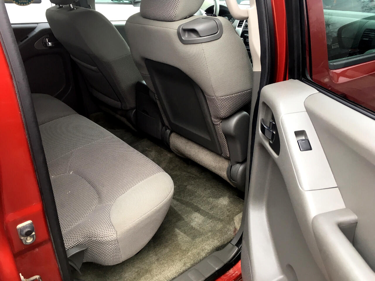 2014 Nissan Frontier 4WD Crew Cab SWB Auto SV